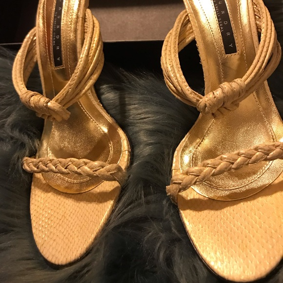 Laundry By Shelli Segal Shoes - NWT Laundry by Shelli Segal Cream Sandals Sz:9